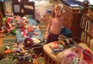 Giocattoli, quando sono troppi rendono i bambini meno creativi