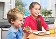 Se i bambini amano i dolci la colpa è dei geni