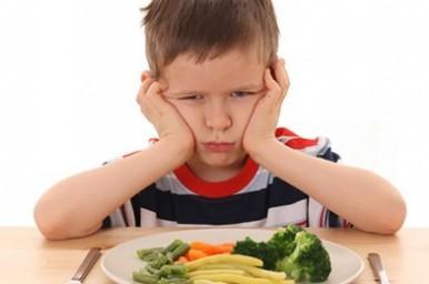 Verdure e bambini, come invogliarli a mangiarne di più