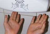 Asciugamani elettrici, diffusori ambientali di batteri