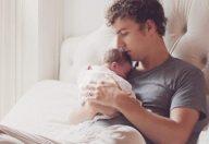 Congedo parentale papà: all'UE lavorano per i dieci giorni