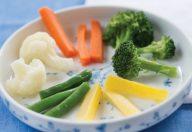 I bambini vanno educati a mangiare sano