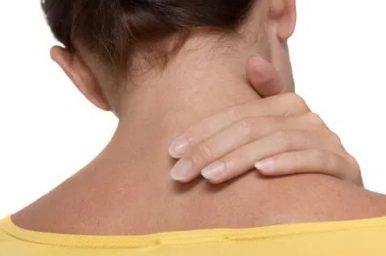 Anche i bambini possono soffrire di torcicollo