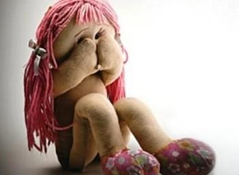Nessun bambino è al riparo dal pericolo pedofilia, i segnali dell'abuso